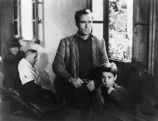 Bicycle Thieves (1948) 03
