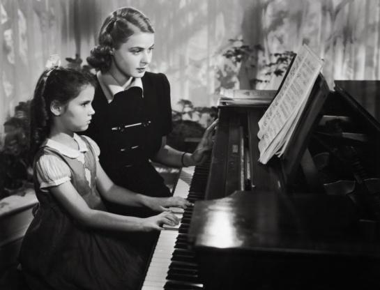 Intermezzo (1936) 08