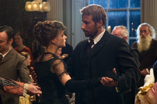 "Carey Mulligan as ""Bathsheba"" and Matthias Schoenaerts as ""Gabriel"" in FAR FROM THE MADDING CROWD. Photos by Alex Bailey.  © 2014 Twentieth Century Fox Film Corporation All Rights Reserved"