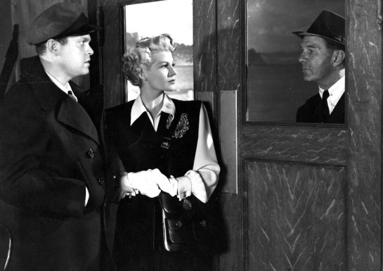 The Lady from Shanghai (1947) 14