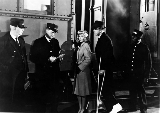DOUBLE INDEMNITY, DOUBLE INDEMNITY US 1944 PARAMOUNT PICTURES BARBARA STANWYCK FRED MacMURRAY PICTURE FROM THE RONALD GRANT ARCHIVE DOUBLE INDEMNITY US 1944 PARAMOUNT PICTURES BARBARA STANWYCK FRED MacMURRAY Date 1944, Photo by: Mary Evans/Ronald Grant/Everett Collection(10353568)