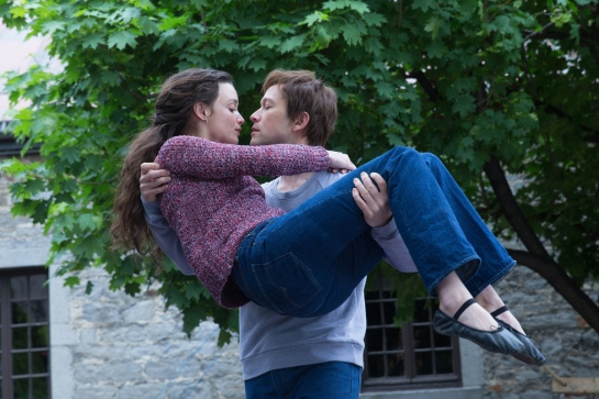 Annie (Charlotte Le Bon) and Philippe Petit (Joseph Gordon-Levitt) in TriStar Pictures' THE WALK