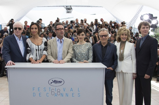 """(L-R) Cast members Michael Caine, Madalina Diana Ghenea, director Paolo Sorrentino, cast members Rachel Weisz, Harvey Keitel, Jane Fonda and Paul Dano pose during a photocall for the film """"Youth"""" in competition at the 68th Cannes Film Festival in Cannes, southern France, May 20, 2015. REUTERS/Yves Herman - RTX1DQWL"""