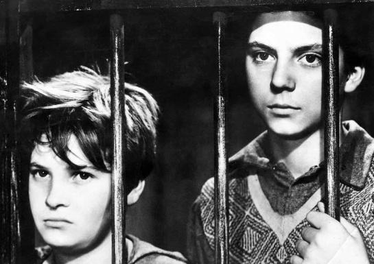 Shoeshine (1946) 02