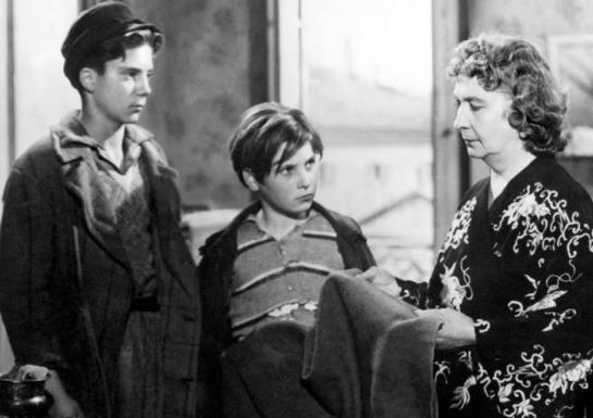 Shoeshine (1946) 03
