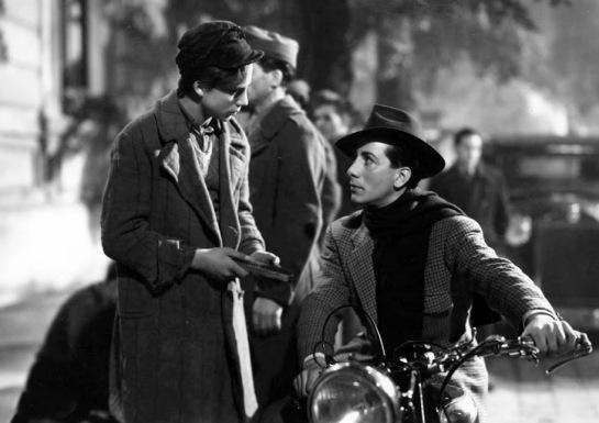 Shoeshine (1946) 04